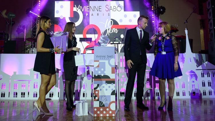 Vivienne Sabo, 10 лет в России